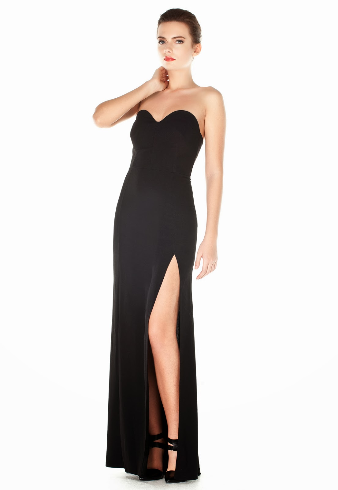 Siyah straplez elbise modelleri